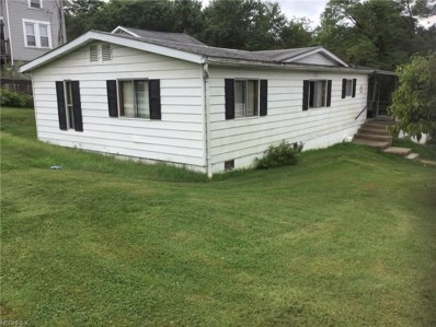 202 Maple Ave, St. Clairsville, OH 43950 - #: 4038757