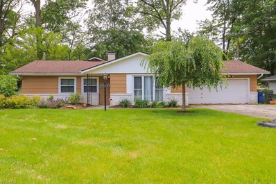 28643 Spruce Dr, North Olmsted, OH 44070 - #: 4052932