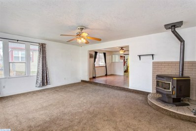 1910 E 3rd Ave, Kennewick, WA 99337 - #: 226301