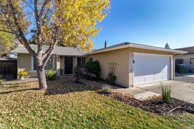 142 Plymouth Court, Vacaville, CA 95687 - #: 21928365