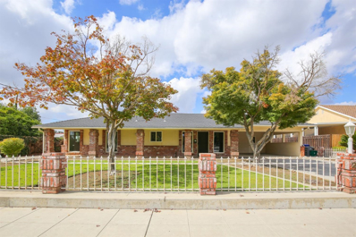 24 N Lind Avenue, Clovis, CA 93612 - #: 512092