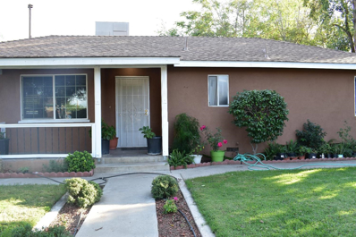 135 E Walnut Avenue, Visalia, CA 93277 - #: 512226