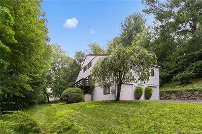 84 Hitching Post Lane, Fairfield, CT 06824 - #: 170108563