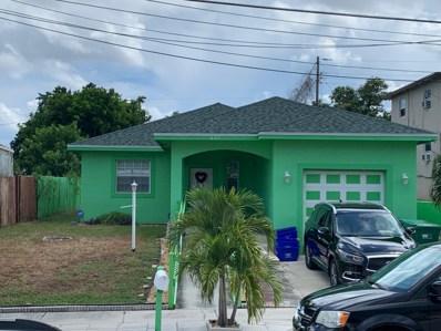 821 W 10th Street, Riviera Beach, FL 33404 - #: RX-10550356