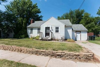 911 S Van Buren St, Iowa City, IA 52240 - #: 202000602