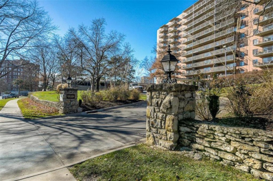 4550 Warwick Boulevard UNIT 605, Kansas City, MO 64111 - #: 2116776