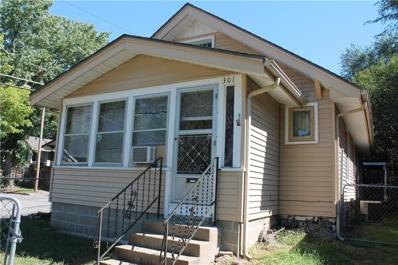 301 S Bellaire Avenue, Kansas City, MO 64123 - #: 2131389