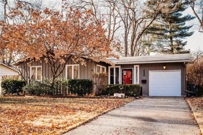 7536 Colonial Drive, Prairie Village, KS 66208 - #: 2140785