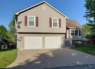 816 SW Harvest Drive, Grain Valley, MO 64029 - #: 2193507