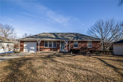 E 13120 44th Terrace, Independence, MO 64055 - #: 2302244
