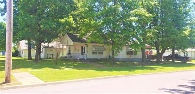 E 301 Magnolia Street, Girard, KS 66743 - #: 2324157