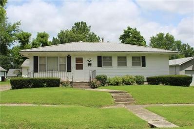 203 Highland Street, Sweet Springs, MO 65351 - #: 2332215