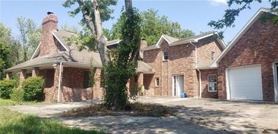 S 1905 Outer Belt Road, Oak Grove, MO 64075 - #: 2342341