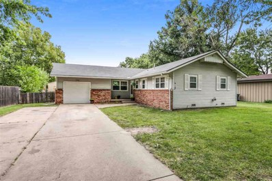 918 N Country Acres Ave, Wichita, KS 67212 - #: 572206