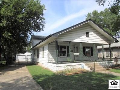 1917 S Water St, Wichita, KS 67213 - #: 572734