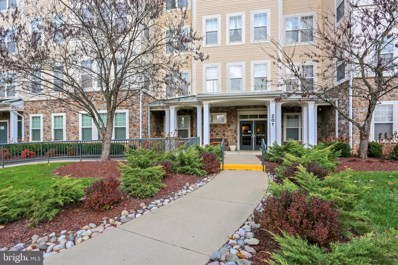 201 High Gables Drive UNIT 303, Gaithersburg, MD 20878 - #: MDMC688002