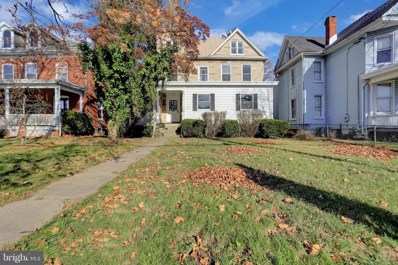 527 E Lincoln Way, Chambersburg, PA 17201 - #: PAFL170100