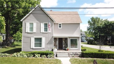 351 E Shadbolt St, Lake Orion, MI 48362 - #: 21492519