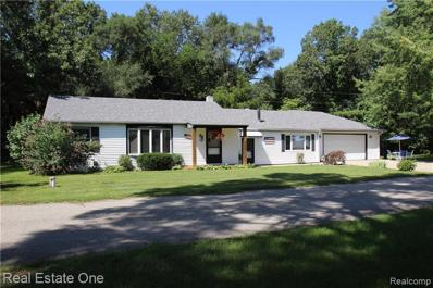 860 Cedar Bay Crt, White Lake, MI 48386 - #: 21497251