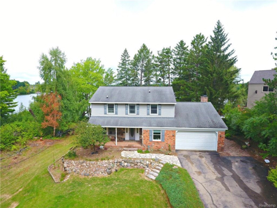 340 Indianwood Rd, Lake Orion, MI 48362 - #: 21500874
