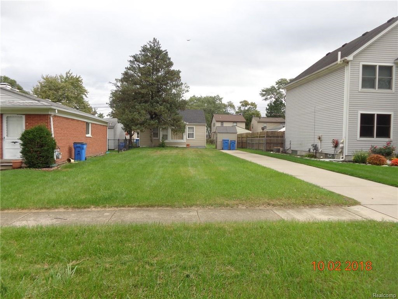 5752 Colonial St, Dearborn Heights, MI 48127 - #: 21512014