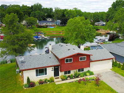 10082 Cedar Shores Dr, White Lake, MI 48386 - #: 21512831