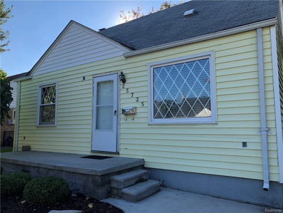 25735 Culver St, Saint Clair Shores, MI 48081 - #: 21516717