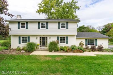 498 Willow Tree Ln, Rochester Hills, MI 48306 - #: 21517915