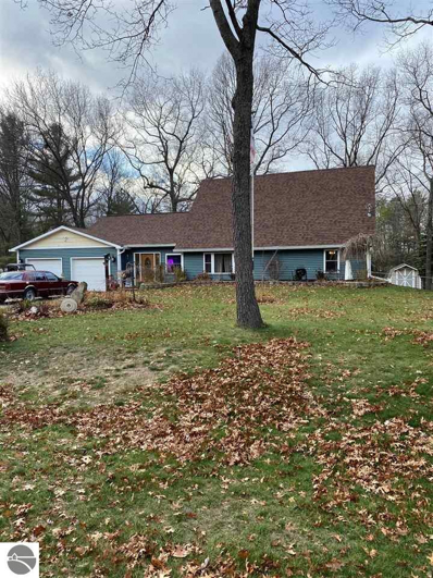 3921 Forest Avenue, Oscoda, MI 48750 - #: 1882760