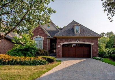 5370 Pembrooke Crossing Court, West Bloomfield Twp, MI 48322 - #: 218078519