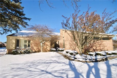 29797 Deer Run, Farmington Hills, MI 48331 - #: 218099649
