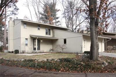 6744 Red Cedar Lane, West Bloomfield Twp, MI 48324 - #: 219002536