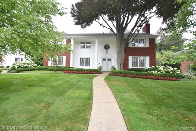 1300 Sandringham Way, Bloomfield Twp, MI 48301 - #: 219091884