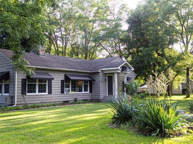 6645 Cooley Lake Road, West Bloomfield Twp, MI 48324 - #: 219095041