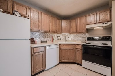 2140 Ridge Drive UNIT 21, Saint Louis Park, MN 55416 - #: 5000774