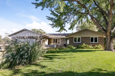 4413 College Heights Circle, Bloomington, MN 55437 - #: 5013394