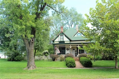 208 S. Fisher, Versailles, MO 65084 - #: 3500904