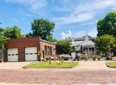 224 6TH St, Boonville, MO 65233 - #: 402265