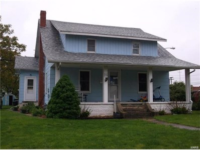 204 Pearl, Jerseyville, IL 62052 - #: 19037181
