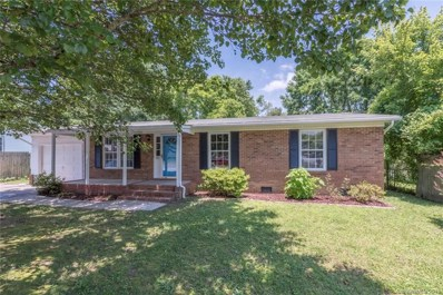 721 Goldfinch Drive, Hendersonville, NC 28792 - #: 3394489