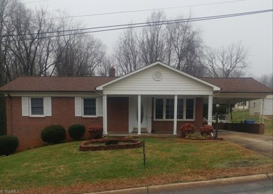 302 L Street, North Wilkesboro, NC 28659 - #: 922636