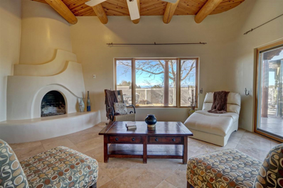 2 Estambre Place, Santa Fe, NM 87508 - #: 201805798