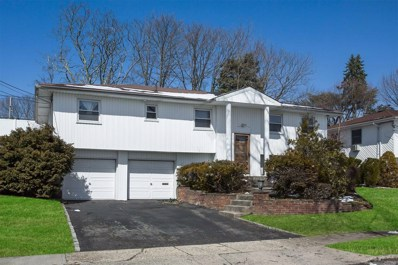 25 Russell Park Rd, Syosset, NY 11791 - #: 3052583