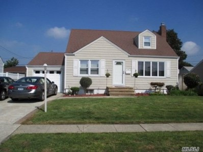 19 Maple Dr, Lindenhurst, NY 11757 - #: 3080838