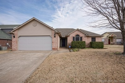 11703 N 112th East Aven>, Collinsville, OK 74021 - #: 2001802
