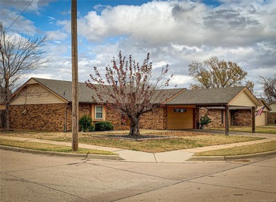 301 Lansbrook Road, Ponca City, OK 74601 - #: 2040610