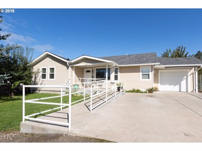 863 W First Ave, Sutherlin, OR 97479 - #: 19288352