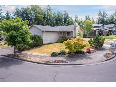 864 SE 10TH Cir, Troutdale, OR 97060 - #: 19401937