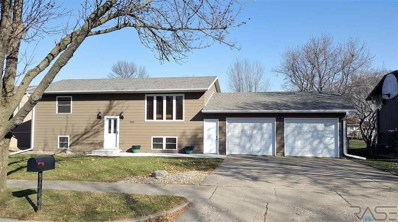 3800 S Crescent Dr, Sioux Falls, SD 57106 - #: 21807073