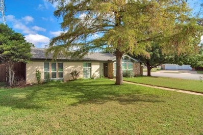 6400 Winn Street, Fort Worth, TX 76133 - #: 13941424